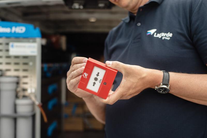 Brandmeldinstallatie onderhoud monteur