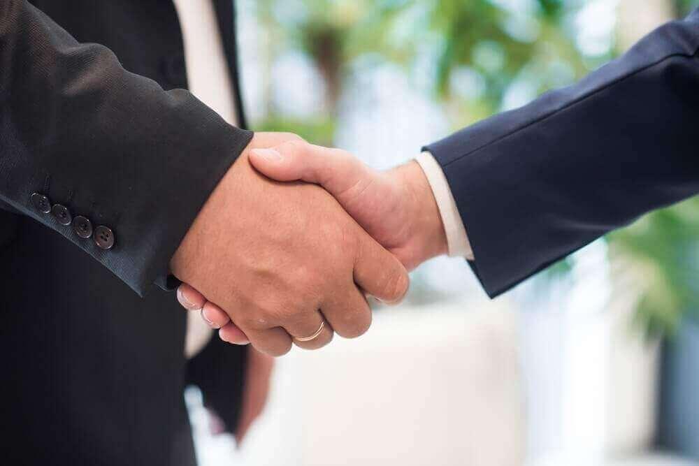 handen schudden partnerschap